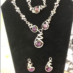 Tory necklace/bracelet/earrings set.